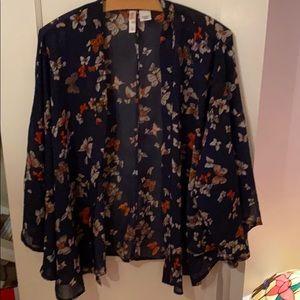 Beautiful light shawl/coverup blouse